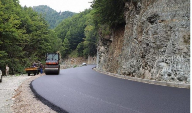 Hoti demands the suspension of the works on the Deçan-Plave road