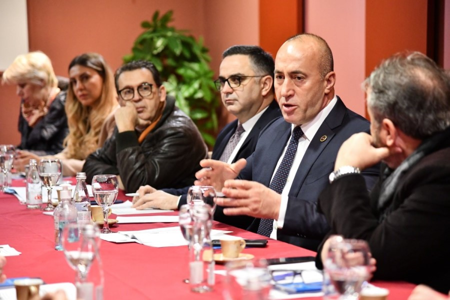 Haradinaj with the representatives of the hospitality industry: With our program you will feel the hand of the state