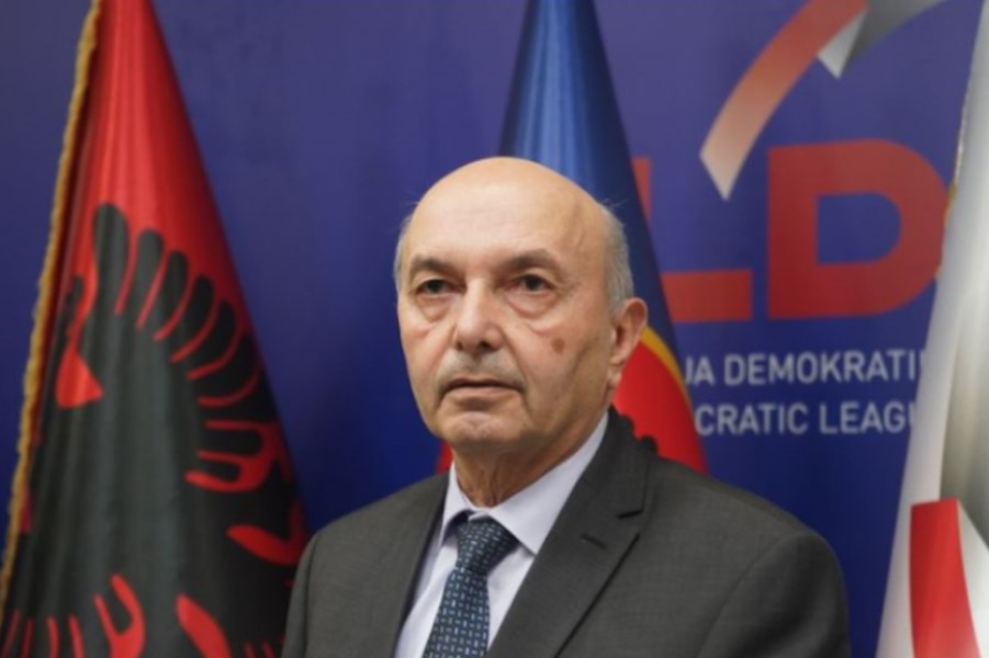 Mustafa reacts to the placement of red ribbons: VV should clarify who are the partners of the Third Republic