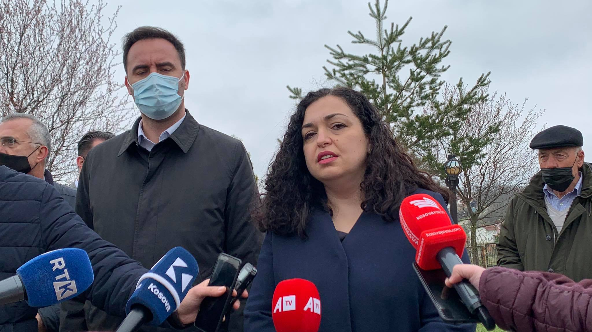 Osmani and Konjufca paid homage in Çikatova, they demand justice for the fallen
