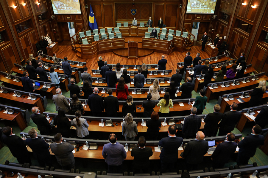 Over 200 thousand euros on salaries and per diems for the political support staff in the Assembly
