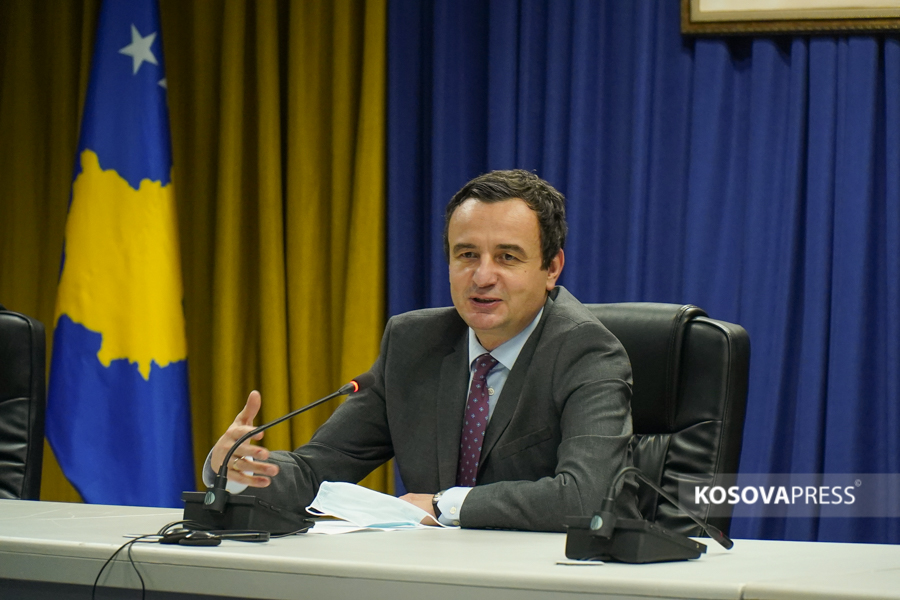 Kurti calls on Serbs to remove barricades, he says Vucic is the only one who wants incidents